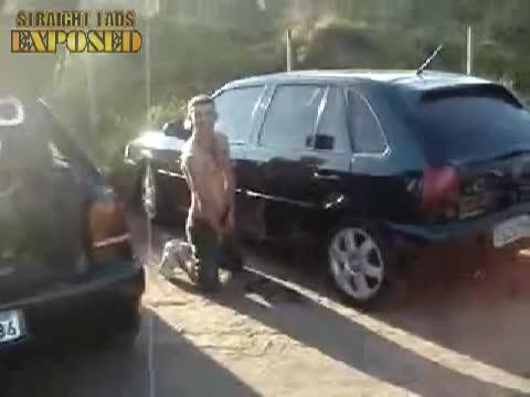 piss between cars