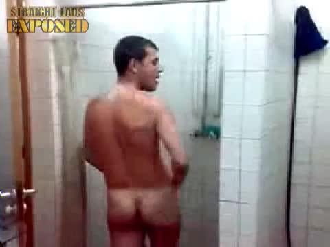 argentinian footballer shower