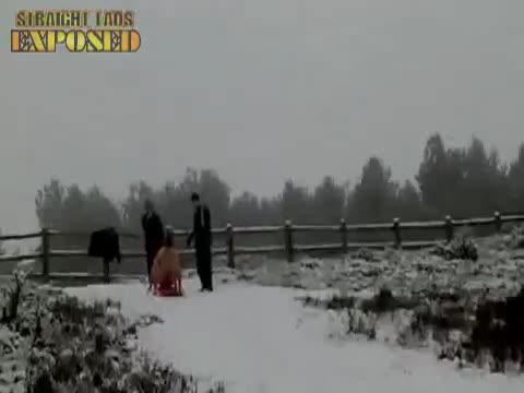 Jord's naked sledging