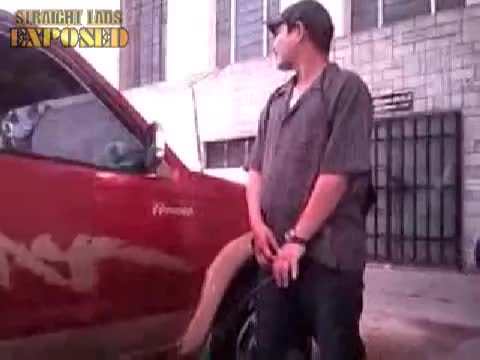 mexican takes a piss