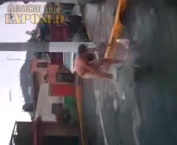 Willi Banandose en la calle