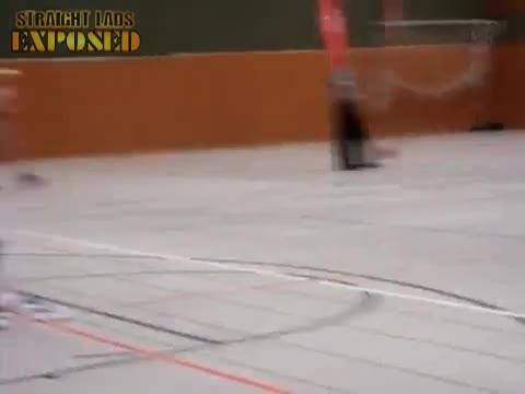 Erni der Flitzer beim Basketball in Bielefeld