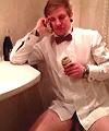 Mikkel in the toilet