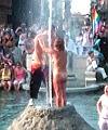 gay pride bologna nudii fanno il bagno