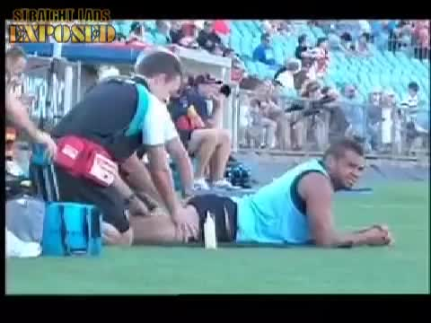 AFL ass massage