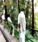 pakistan lads take a piss