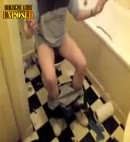 chav caught in the toilet